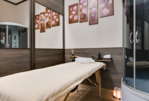 массаж общий, массаж спины в салоне красоты NATEO Киев
